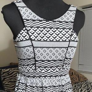 Monteau Los Angeles geometric dress size s